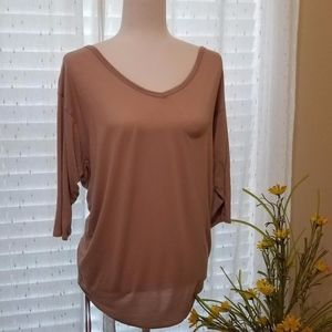 Gap casual long sleeve T-shirt V neck on the back